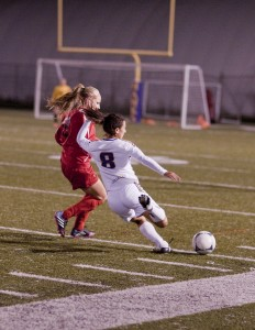 Suzanne Boroumand tries to beat a defender against the Guelph Gryphons on Friday. (Photo by Heather Davidson)