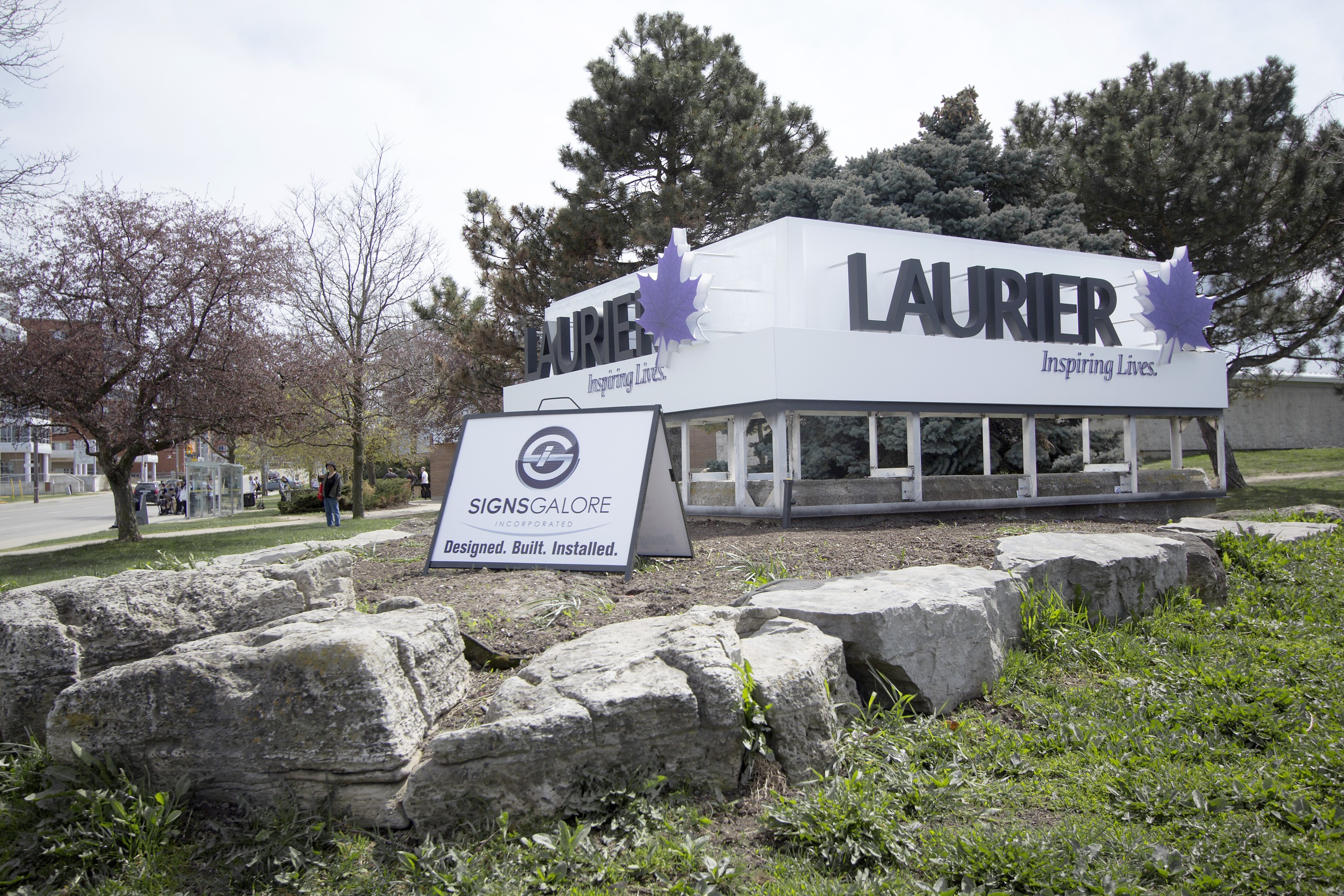 New Laurier signs (Heather Davidson)