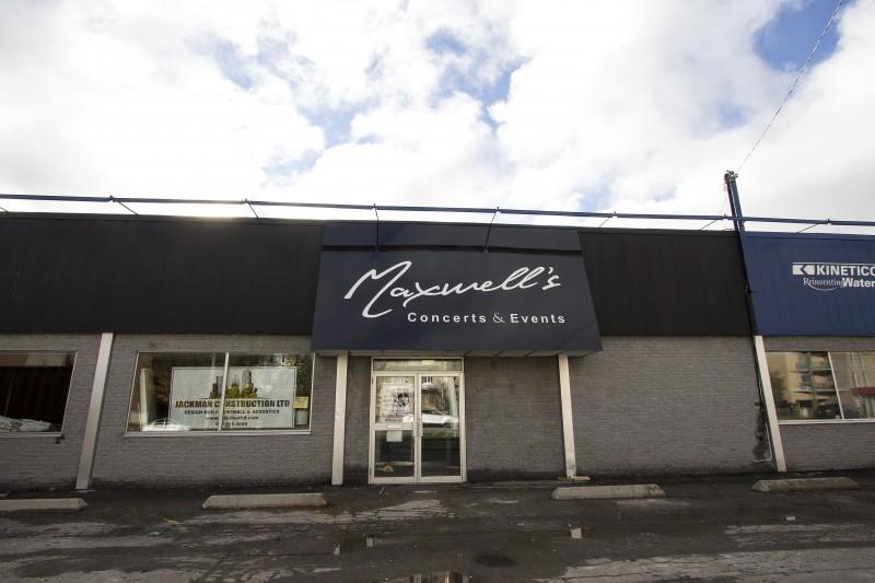 Maxwell's (Zoe Nguyen)