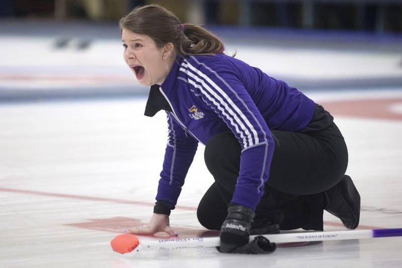 Women's curling 3 (Heather Davidson)