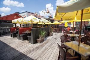 Huether Hotel patio (Heather Davidson)