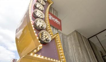 Apollo theatre (Andreas) online