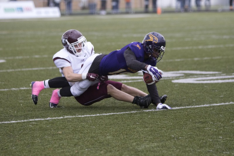 mens football mcmaster 19 ii online jess (1)