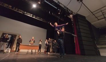 theatre 2 (Andreas) online